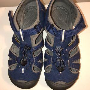 Big kids Keen sandals